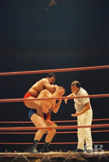 Pedro Morales applies the sleeper hold
